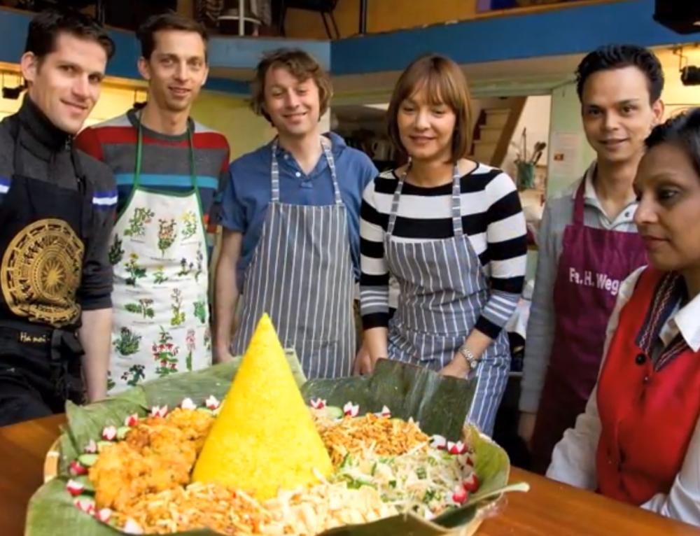 Sfeerimpressie van een Indische kookworkshop in Amsterdam {video}